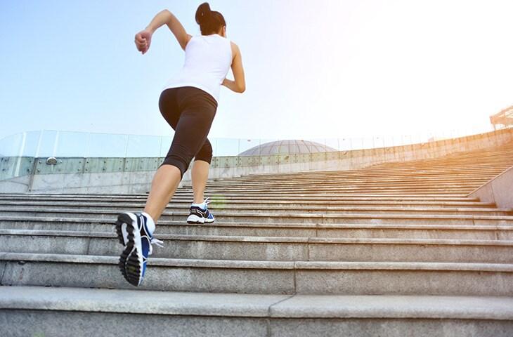 99f29e4c833 När du köper nya skor för löpträningen bör du alltid ställa dig frågan: Hur  ofta och långt springer jag? Det säger sig självt att löpare som mysjoggar  fem ...